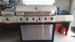 Brand New Kenmore 6 burner Natural Gas Grill