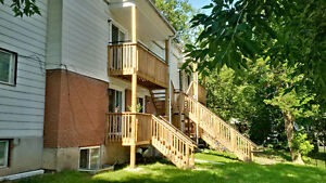 Newly renovated 1 BR on Hazlitt all inclusive for Oct 15th Peterborough Peterborough Area image 2
