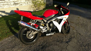 Yamaha yzf-R1. excellent condition