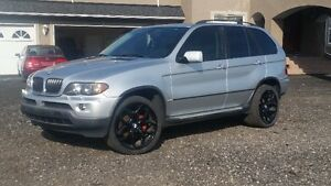 2004 BMW X5 3.0 SUV. Mint Condition.