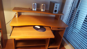 Office/Computer Desk with Speakers