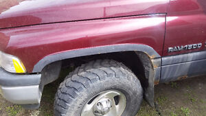 2001 dodge 1500 PARTS OR BUY TRUCK