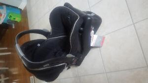 Britax B-Safe Infant Carseat