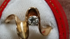 Appraised 'solitaire 'style Lady's Ring 10k
