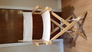 30$ Belle chaise d'artiste en cuir blanc