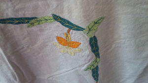 Vintage Tablecloth with Embroidery Kitchener / Waterloo Kitchener Area image 2