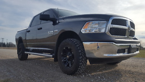 2016 Ram 1500 ST Pickup Truck lots of extras $5000 into truck