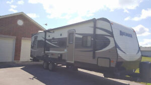 2015 Avenger 28DBS travel trailer Great condition **LUXURY**