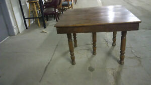 ANTIQUE 5 LEG TABLE AND 4 CHAIRS