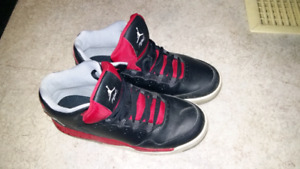 Size 7 men jordans fits a women with size 8 feet