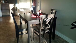 Ikea expandable dining room table & 4 chairs