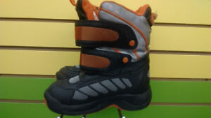 (309A) Boy's winter boots Cougar Size 13