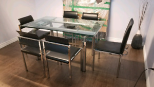 Structube Europa extendable dining table & 6 chairs