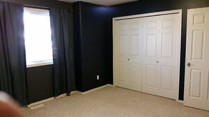 3 bedroom Condo for rent with Garage