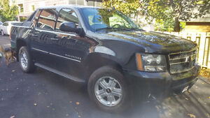JUST REDUCED 2008 Chevrolet Avalanche Pickup Truck