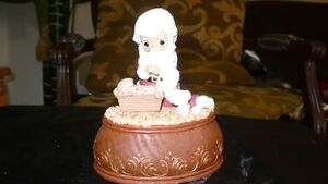 "VINTAGE ADORABLE ""PRECIOUS MOMENTS"" XMAS MUSIC BOX Kitchener / Waterloo Kitchener Area image 1"