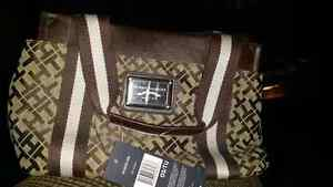 Tommy hillfiger purse brand new tags. JUST IN TIME FOR CHRIDTMAS Cambridge Kitchener Area image 3