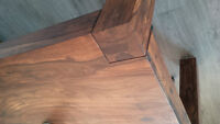 Gorgeous, solid acacia wood 8 people dining table- Stunning!/