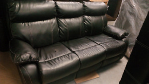 Dual reclining sofa set