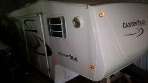 28 foot Canyon Trail 5th wheel with separate bunk bed