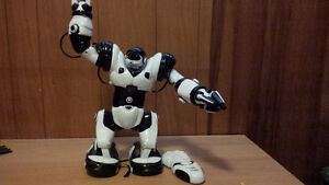 WowWee Robosapien Toy Robot with Remote Control