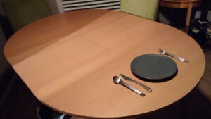 Round Ikea table with built in leaf