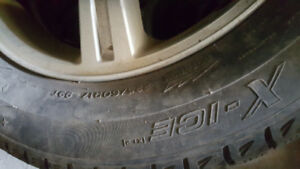 4 PNEUS D'HIVER COMME NEUF MICHELIN  X -ICE 225/60/R17 A  400$