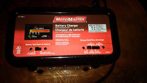 MotoMaster Battery Charger w Engine Start