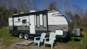 2014 Gray Wolf 23ft Camper