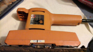 BLACK & DECKER DUAL ACTION SANDER