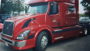 2005 Volvo Truck, Model 780 w commons engine (500 HP) for sale!!