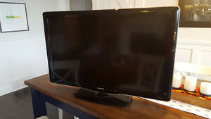 40 inch Phillips 720p LCD TV