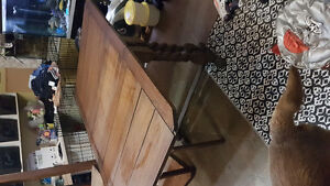 Antique gate leg table  that fold down on both sides / can deli