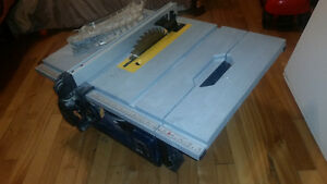 Compact Mastercraft Table Saw