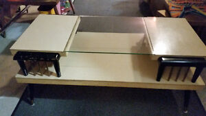 Coffee Table Mid Century Modern Blond Wood/Glass Formica Atomic