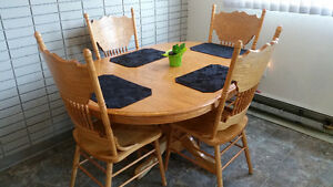 Solid Wood Dining Table w 4 Chairs $380 OBO