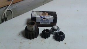 """Four """"NEW"""" Marco Power Block Pinion Gears"""