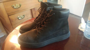 Brand New Black Timberland Boots (Worn once)