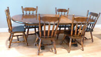Beautiful Solid Pine dining room furniture, table and 6 chairs