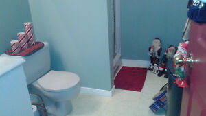 Room for rent, shared house Cornwall Ontario image 10