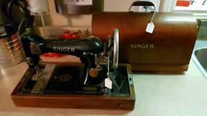 Antique Singer Sewing Machine with Top AS IS