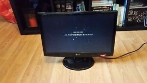 """20"""" LG Flatron LCD Monitor with cables"""