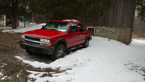 2004 Chevrolet S-10 EXT Pickup Truck