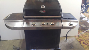 Good condition Grill Mate barbeque