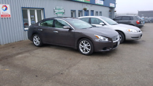 2012 Nissan Maxima SV , low kilometers! 96000kms