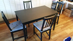Dining Set - Table w/ 4 Chairs - Pick Up Only