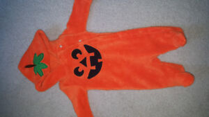 0-3 month  Halloween outfit EUC