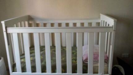 Baby Cot and matress rarely used for sale Chatswood Willoughby Area Preview