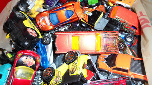 Box of Approx 100 Hot Wheels Toys $60.