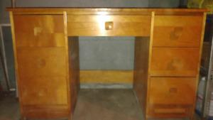 bureau de travail en bois